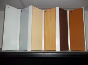 usi-pliante-de-diferite-culori-arad